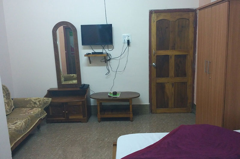 Coniferoues Resort, Cherrapunjee - Deluxe Three Bedded Rooms-4